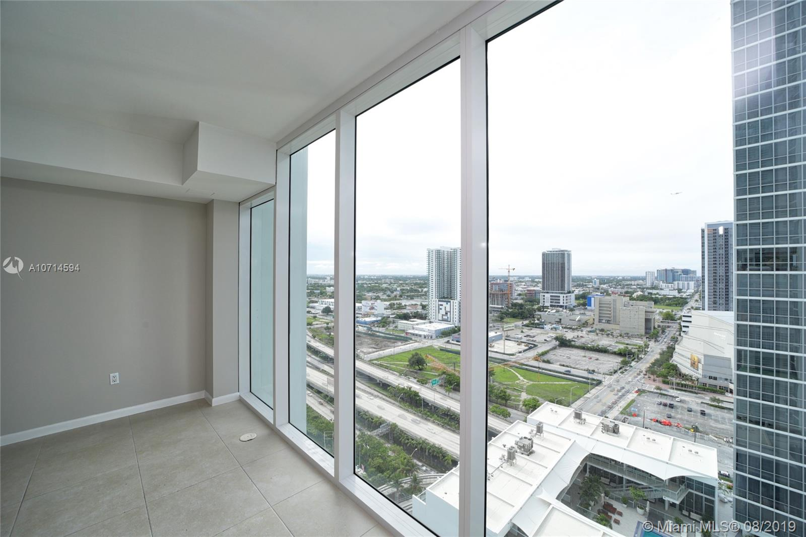 1040 Biscayne Blvd #2205 photo017