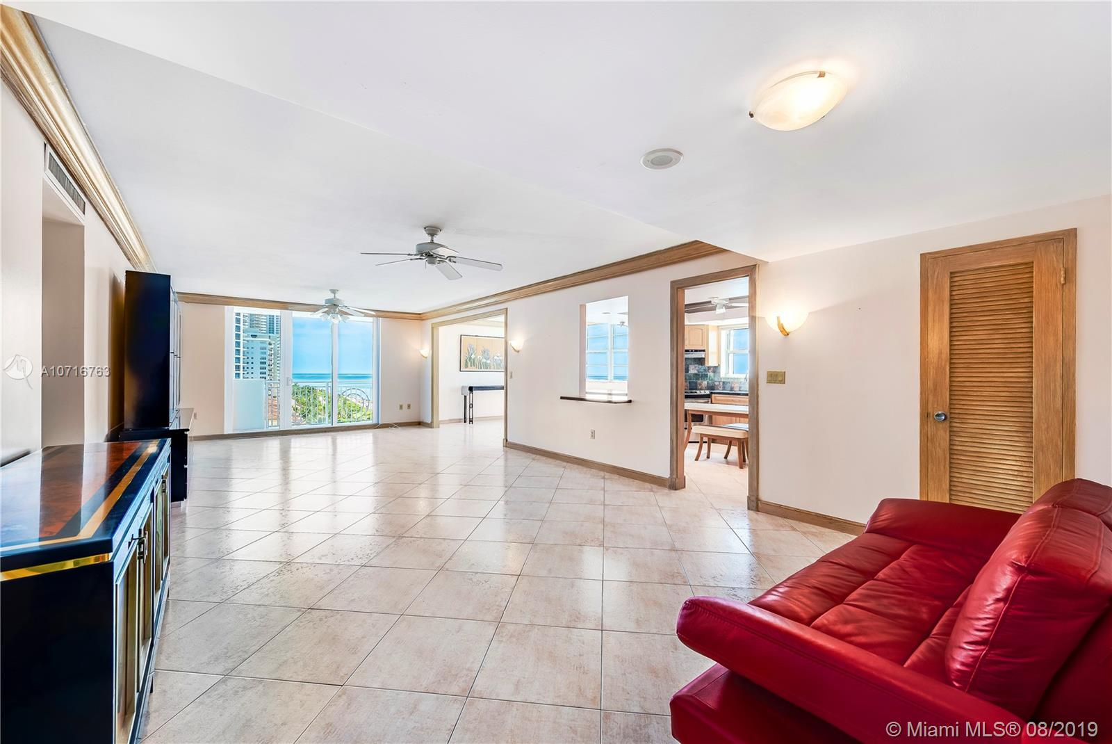 5825 Collins Ave #11F photo02