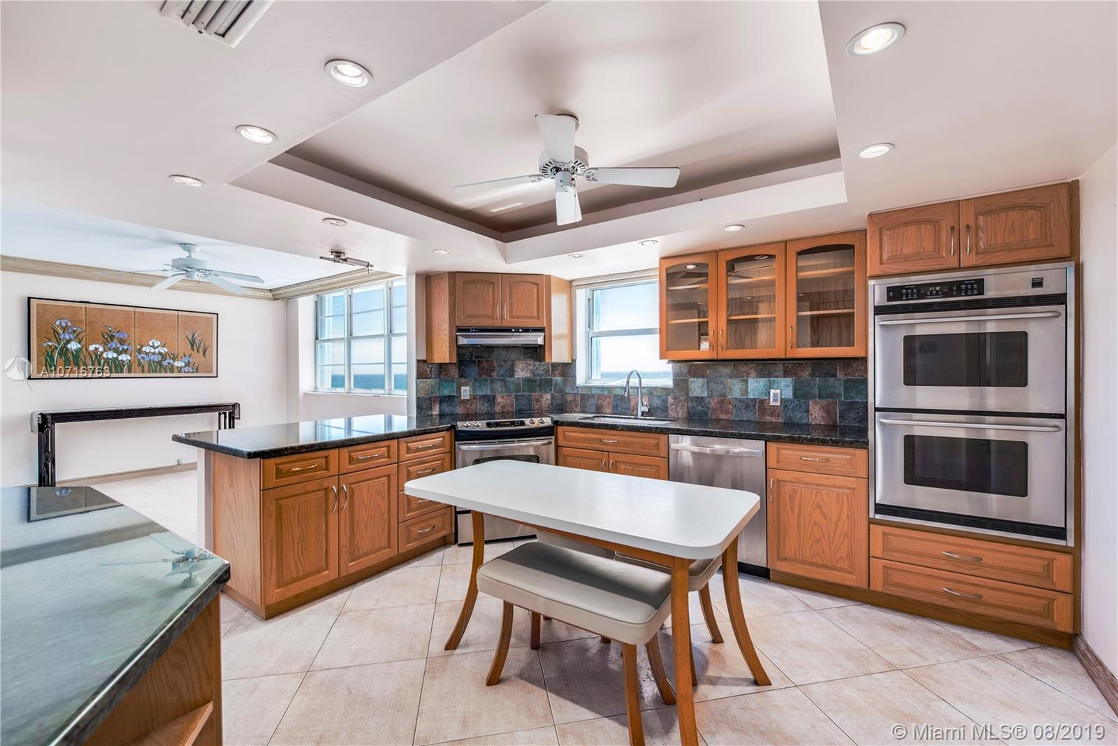 5825 Collins Ave #11F photo09