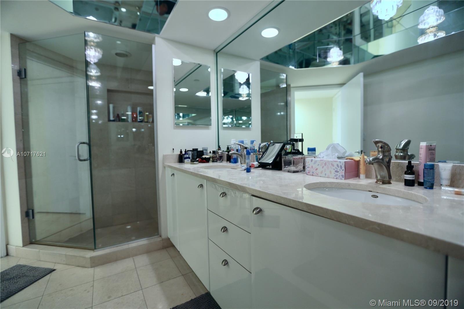 16500 Collins Ave #1752 photo08