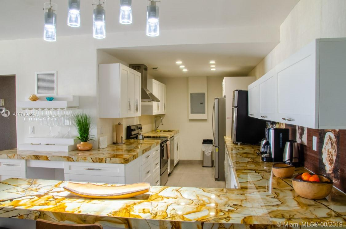 5601 Collins Ave #1220 photo05