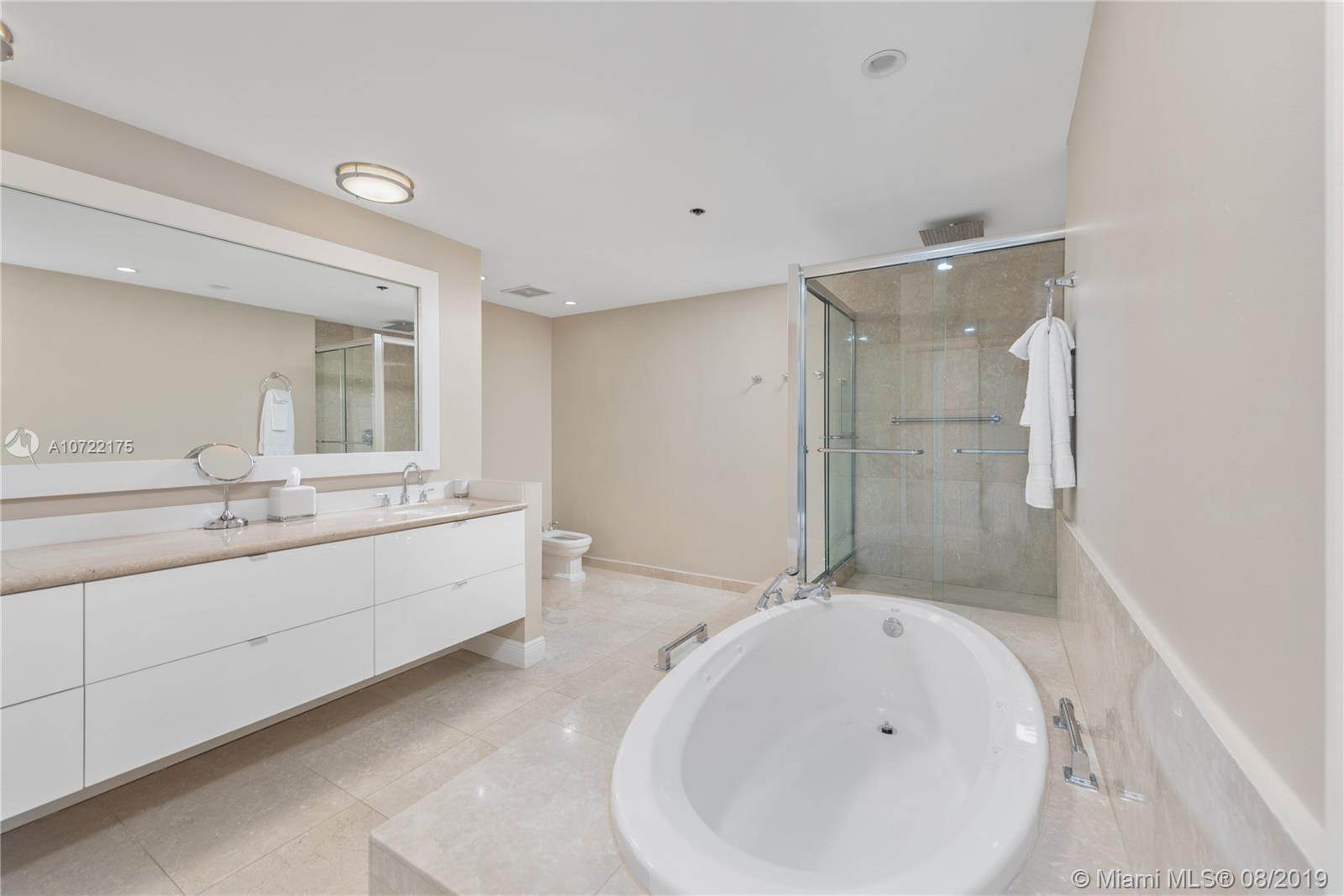 2422 Fisher Island Dr #5202A photo013
