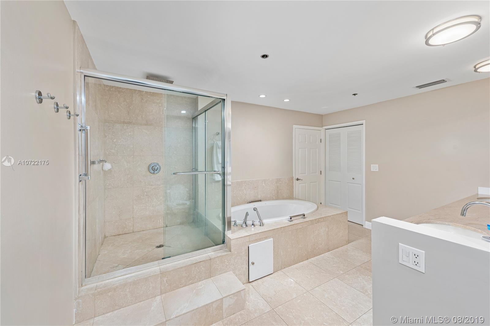2422 Fisher Island Dr #5202A photo016