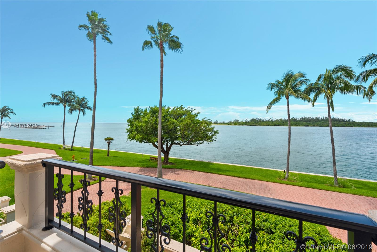 2422 Fisher Island Dr #5202A photo025