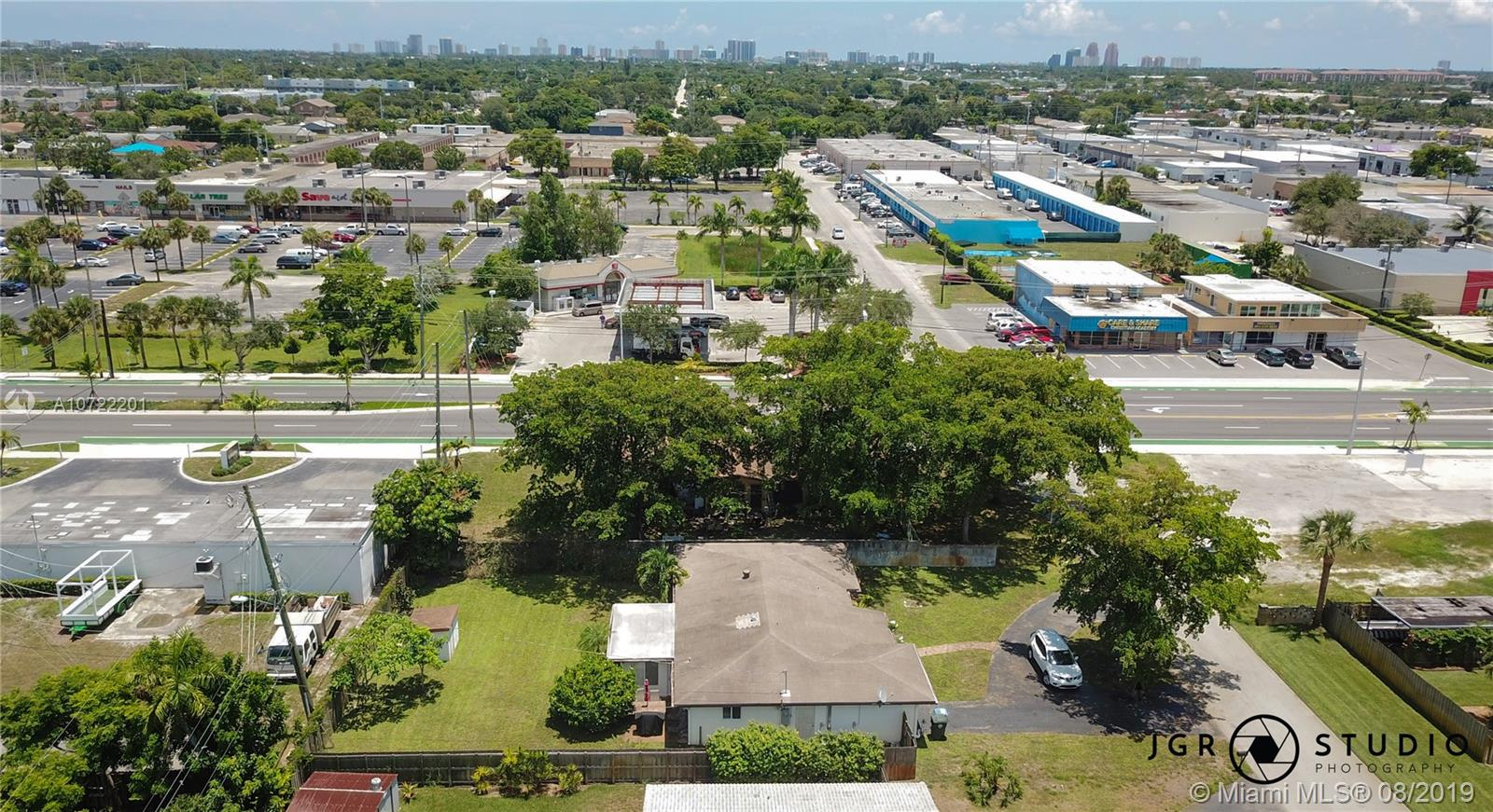 41 NW 33rd St - Oakland Park, Florida