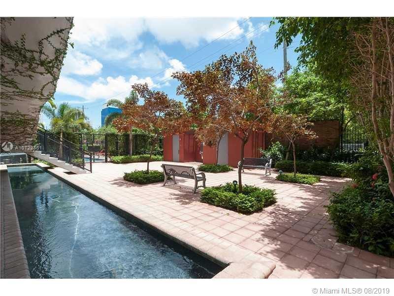 1749 NE Miami Ct #406 photo011
