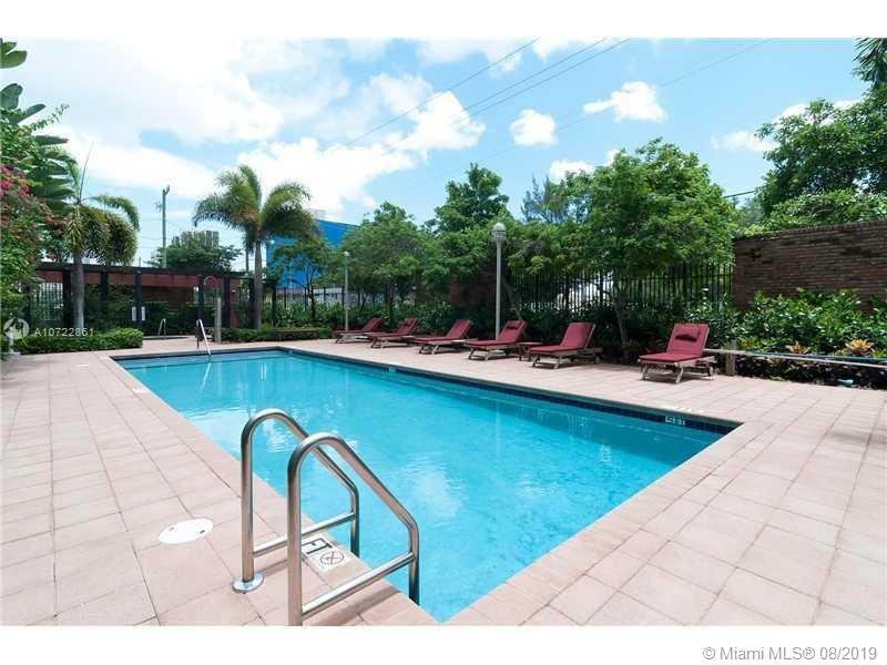 1749 NE Miami Ct #406 photo012