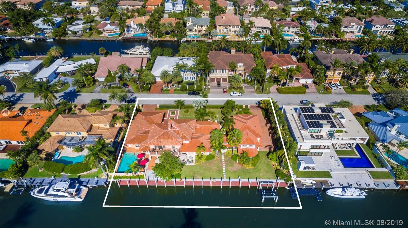 14 Pelican Dr - Fort Lauderdale, Florida