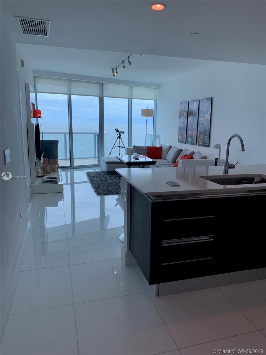 17001 COLLINS AVE #1503 photo04