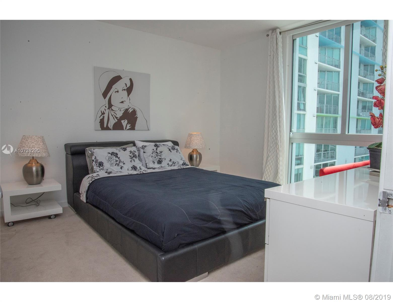 335 S Biscayne Blvd #3300 photo012