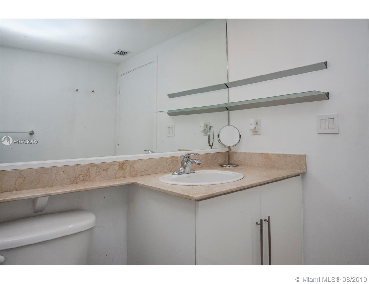 335 S Biscayne Blvd #3300 photo016