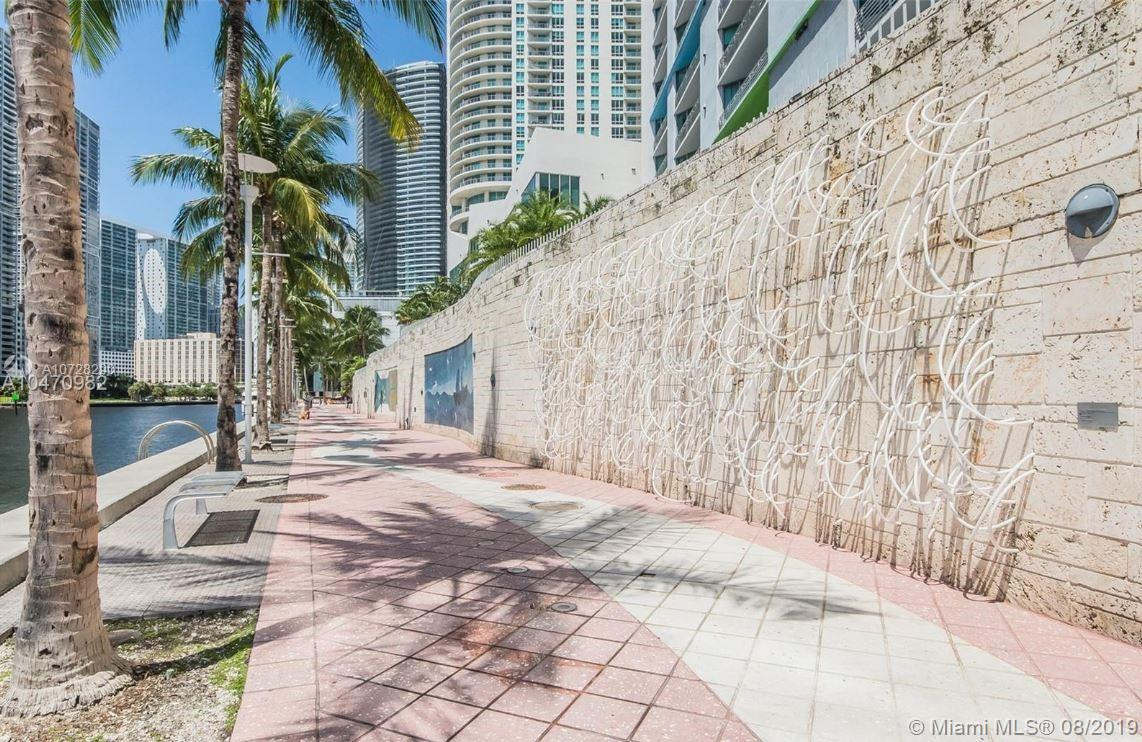 335 S Biscayne Blvd #3300 photo027