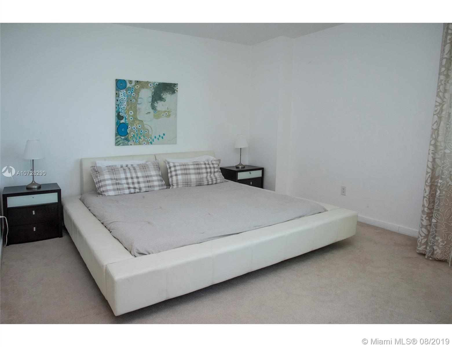 335 S Biscayne Blvd #3300 photo08