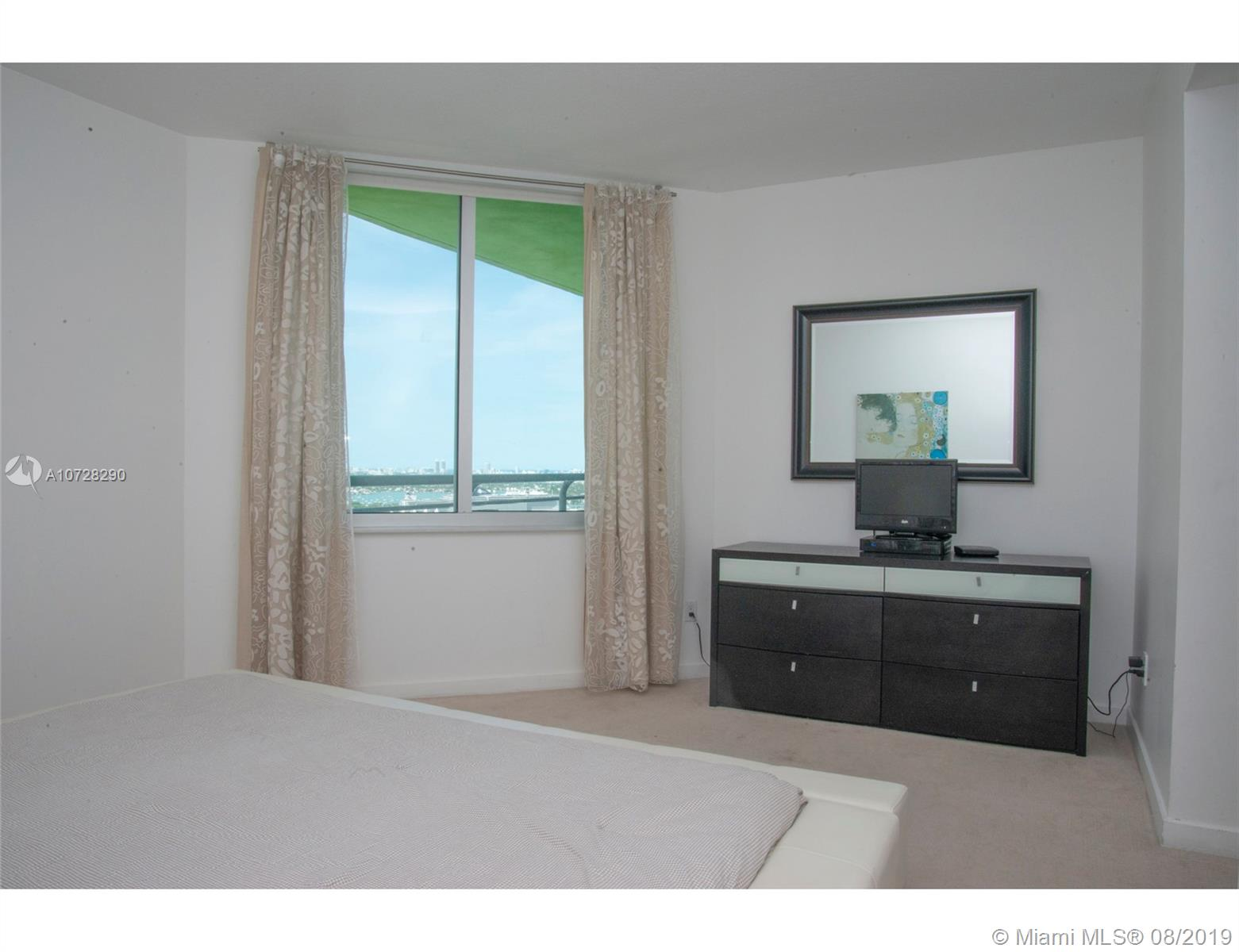 335 S Biscayne Blvd #3300 photo09