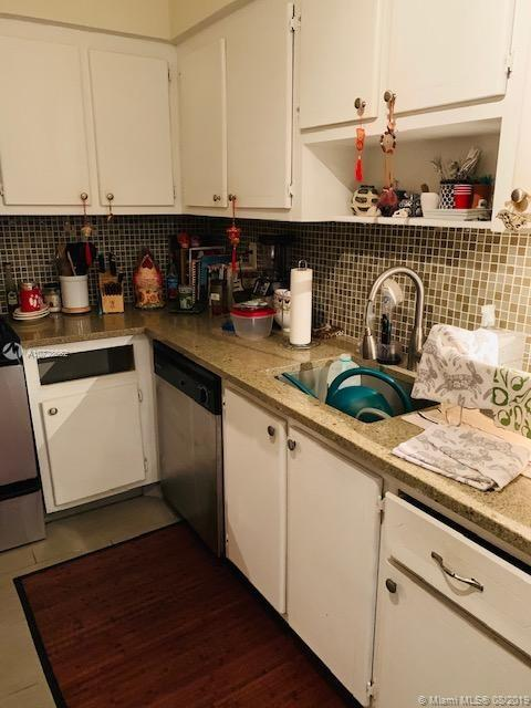 9225 Collins Ave #1009 photo06