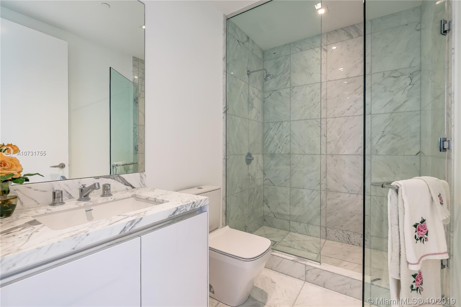 16901 Collins Ave #803 photo020