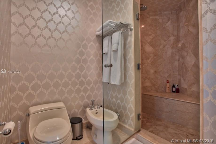 100 S Pointe Dr #1101 photo014