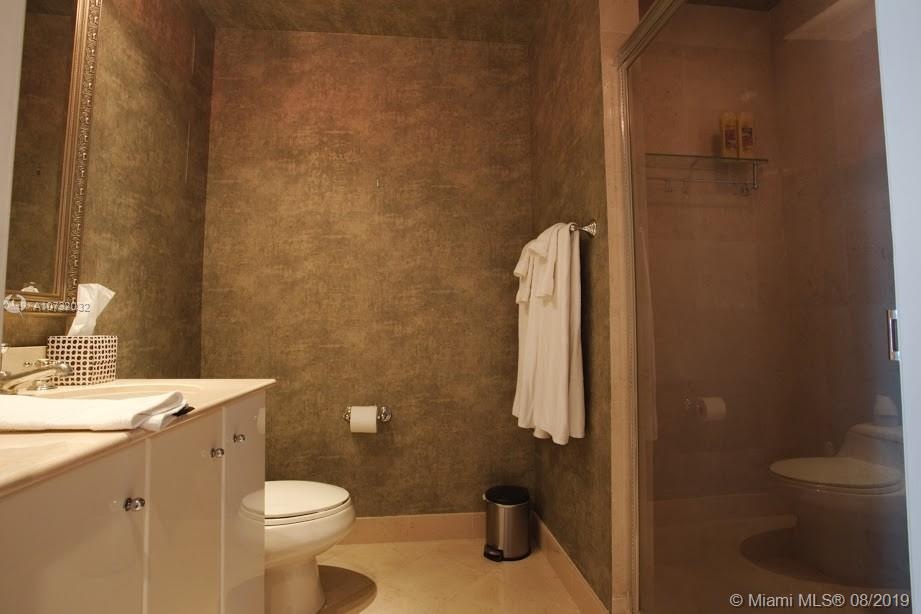 100 S Pointe Dr #1101 photo016