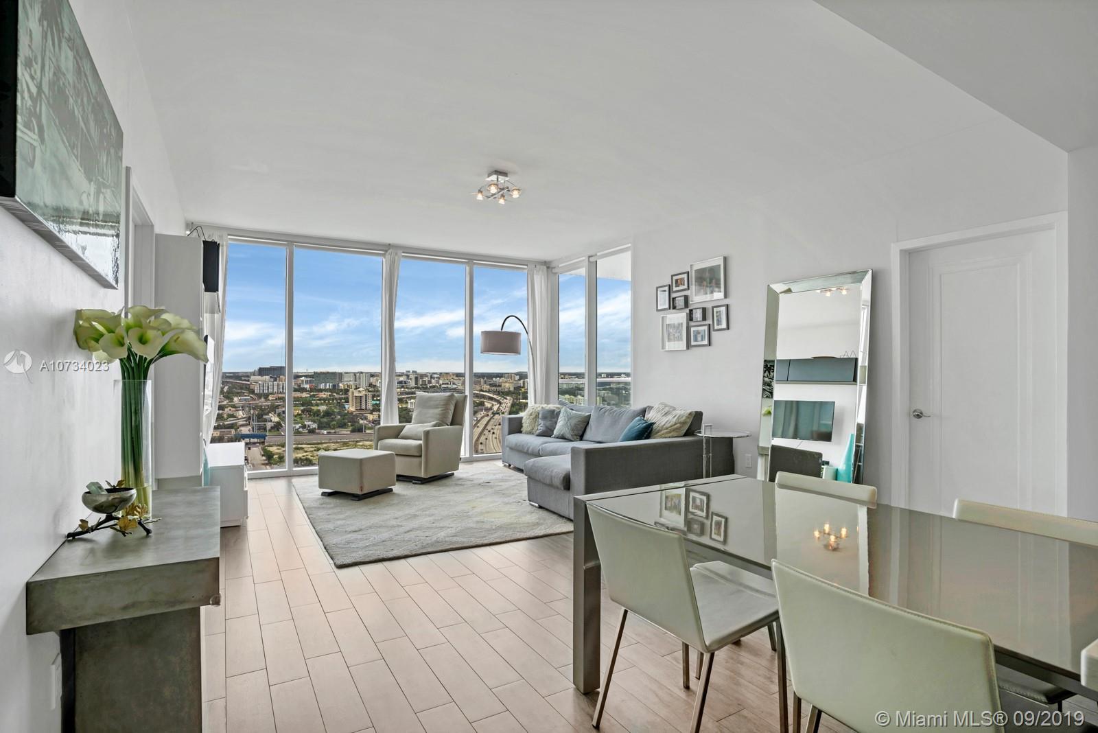Property 1040 Biscayne Blvd #2206 image 3