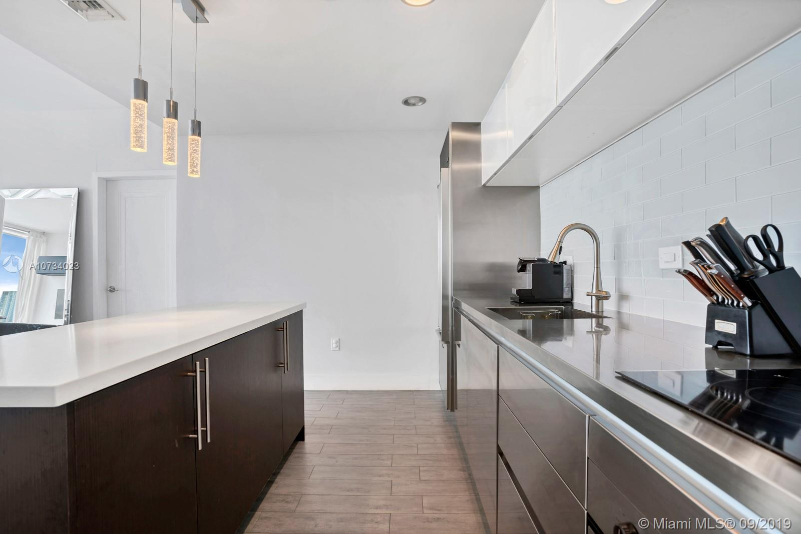 Property 1040 Biscayne Blvd #2206 image 4