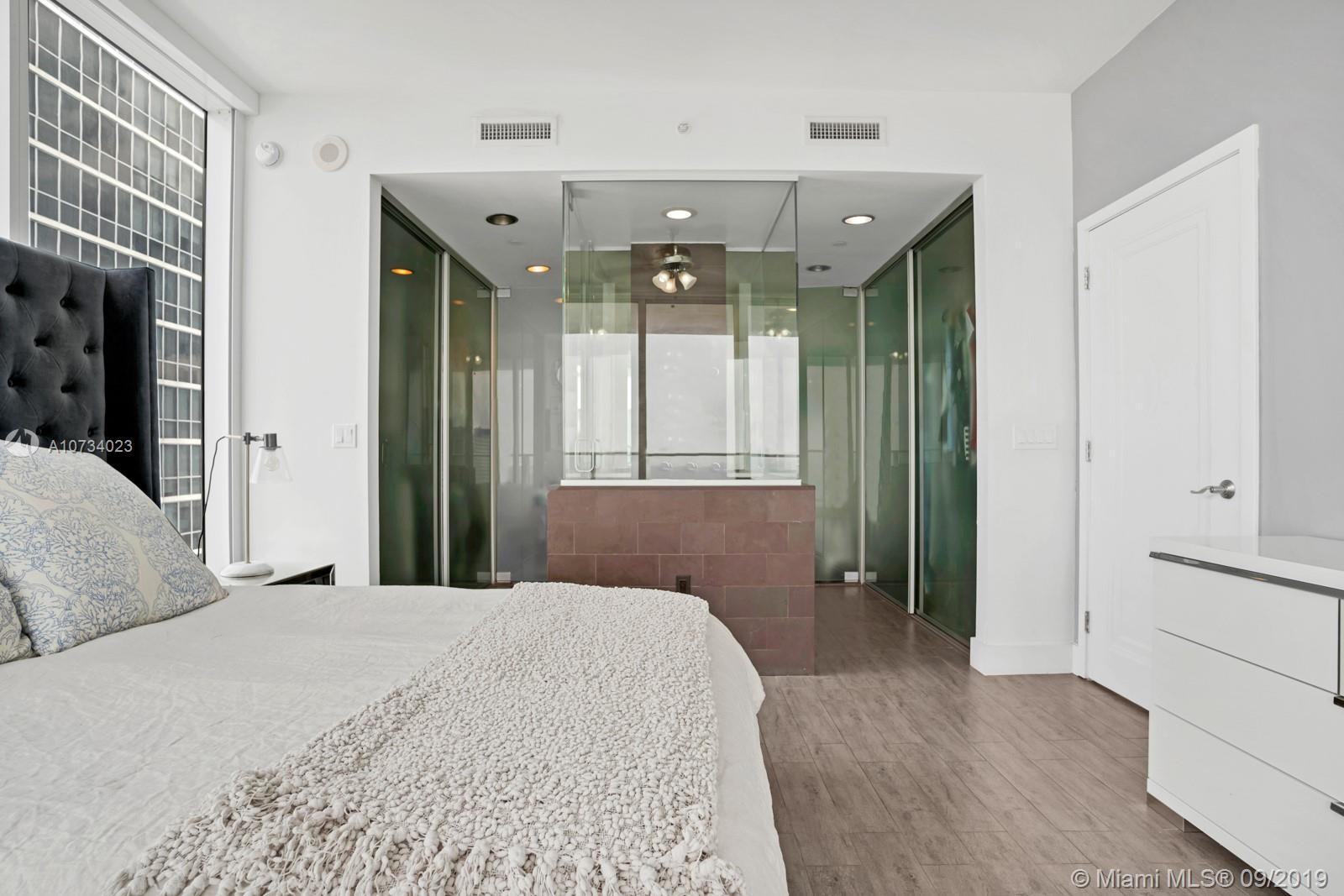 Property 1040 Biscayne Blvd #2206 image 6