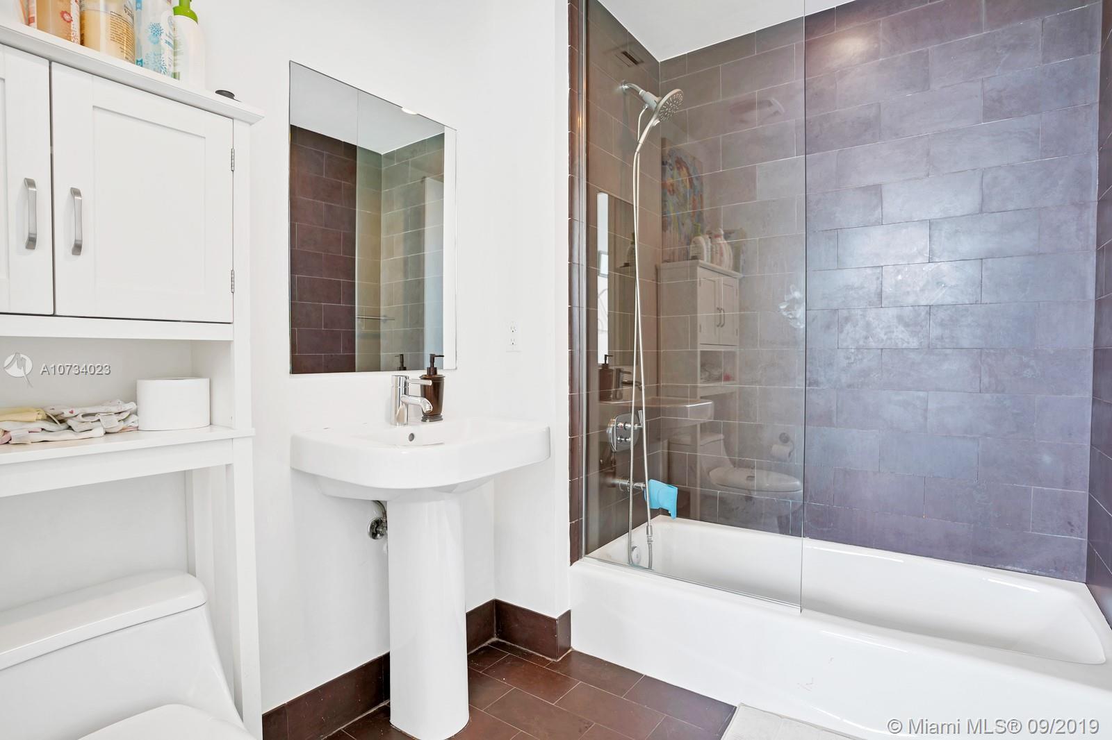 Property 1040 Biscayne Blvd #2206 image 8