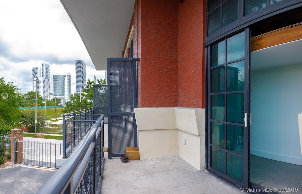 1749 NE Miami Ct #208 photo05
