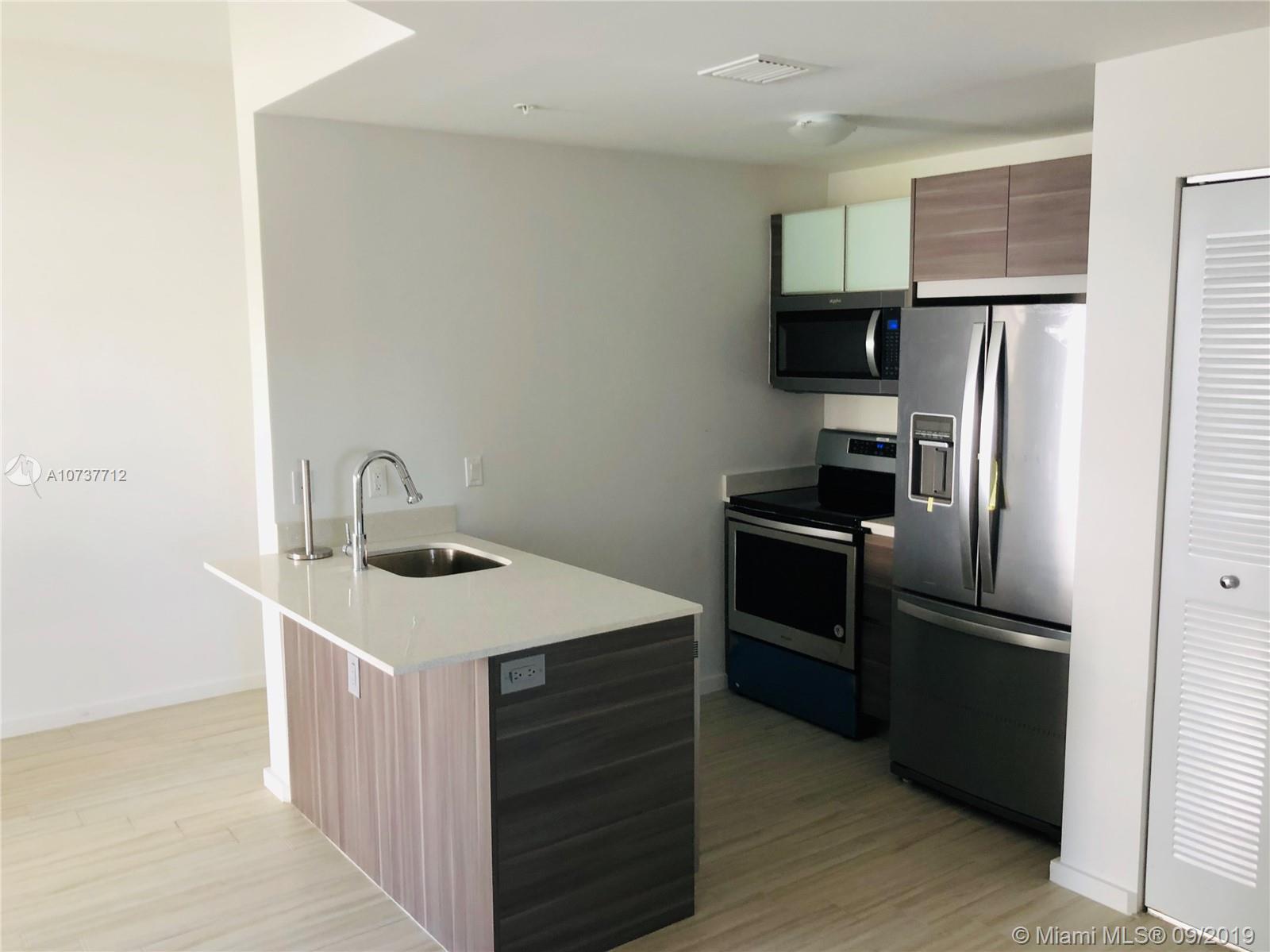 Property 481 NE 29th St #501 image 1