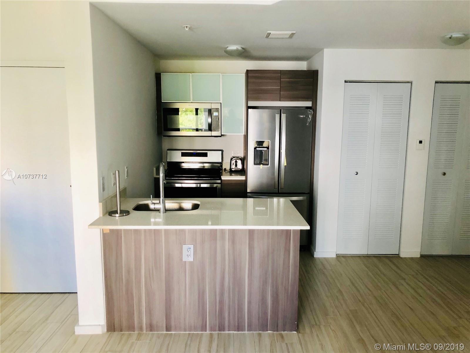 Property 481 NE 29th St #501 image 2