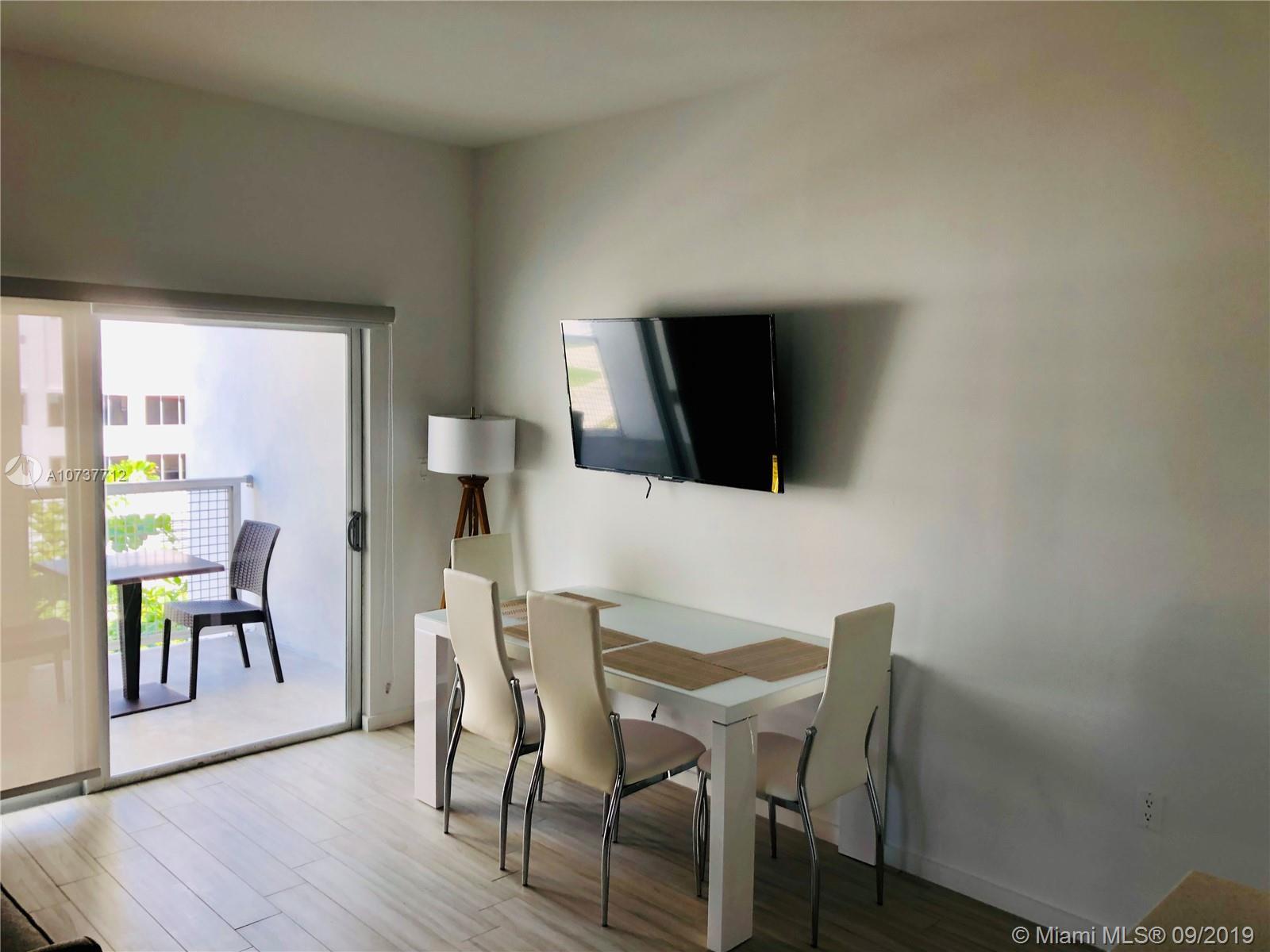 Property 481 NE 29th St #501 image 4
