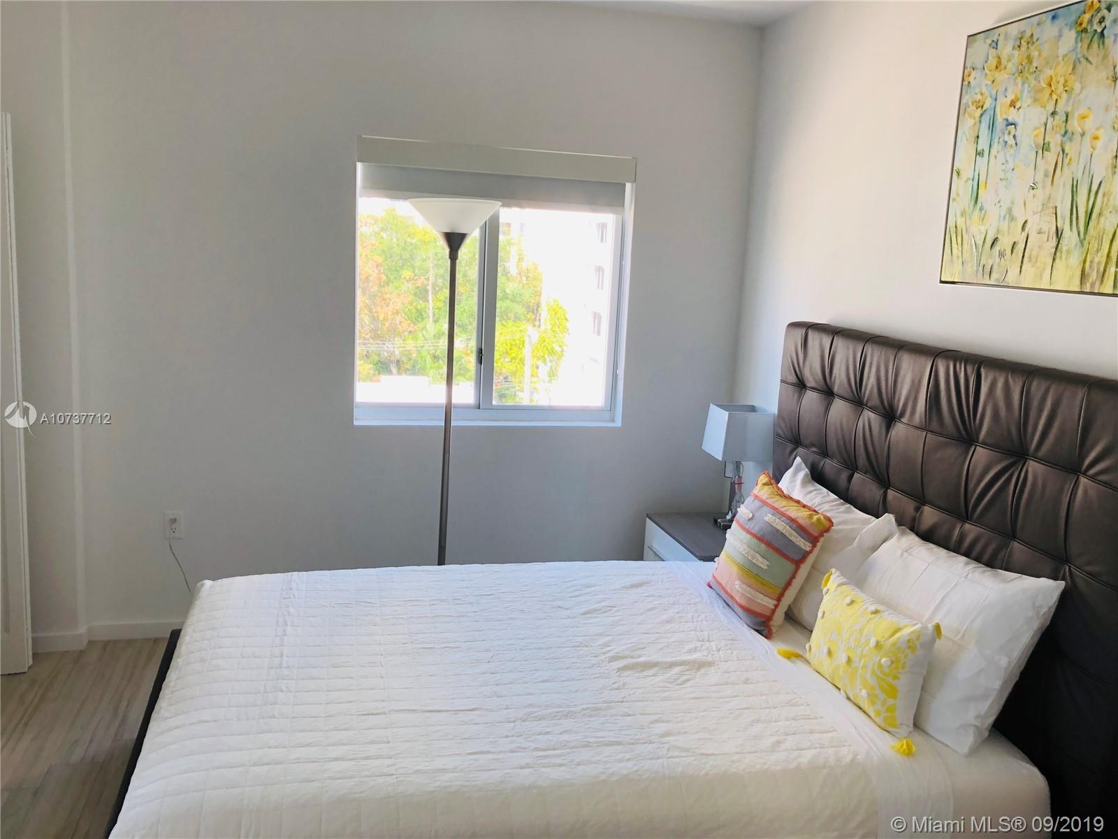 Property 481 NE 29th St #501 image 7