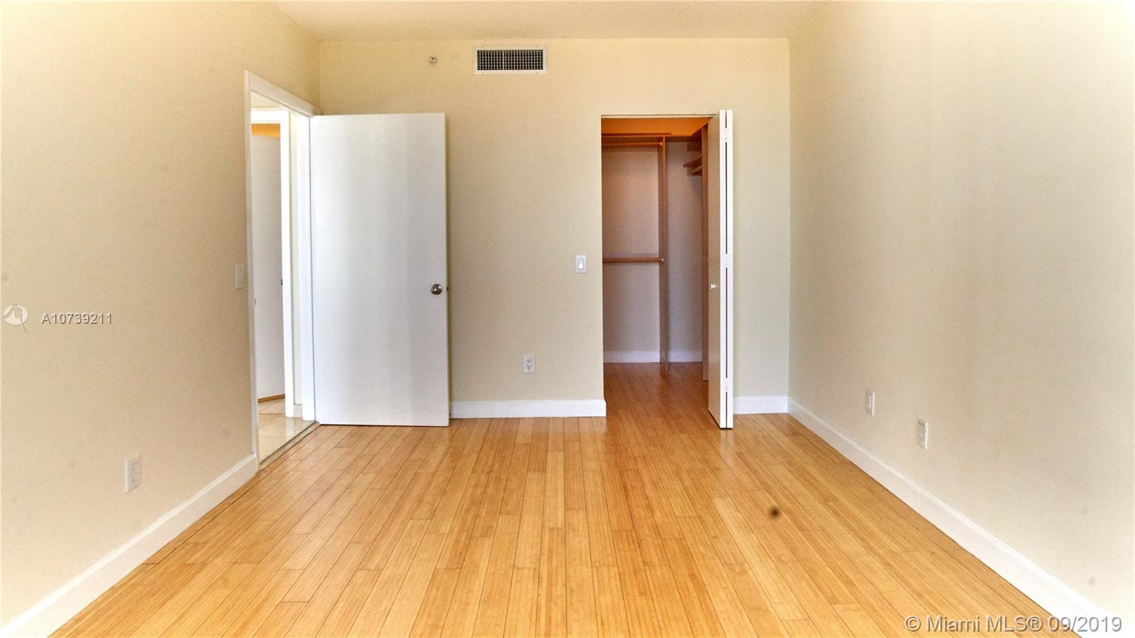 Property 21205 YACHT CLUB DR #2410 image 16