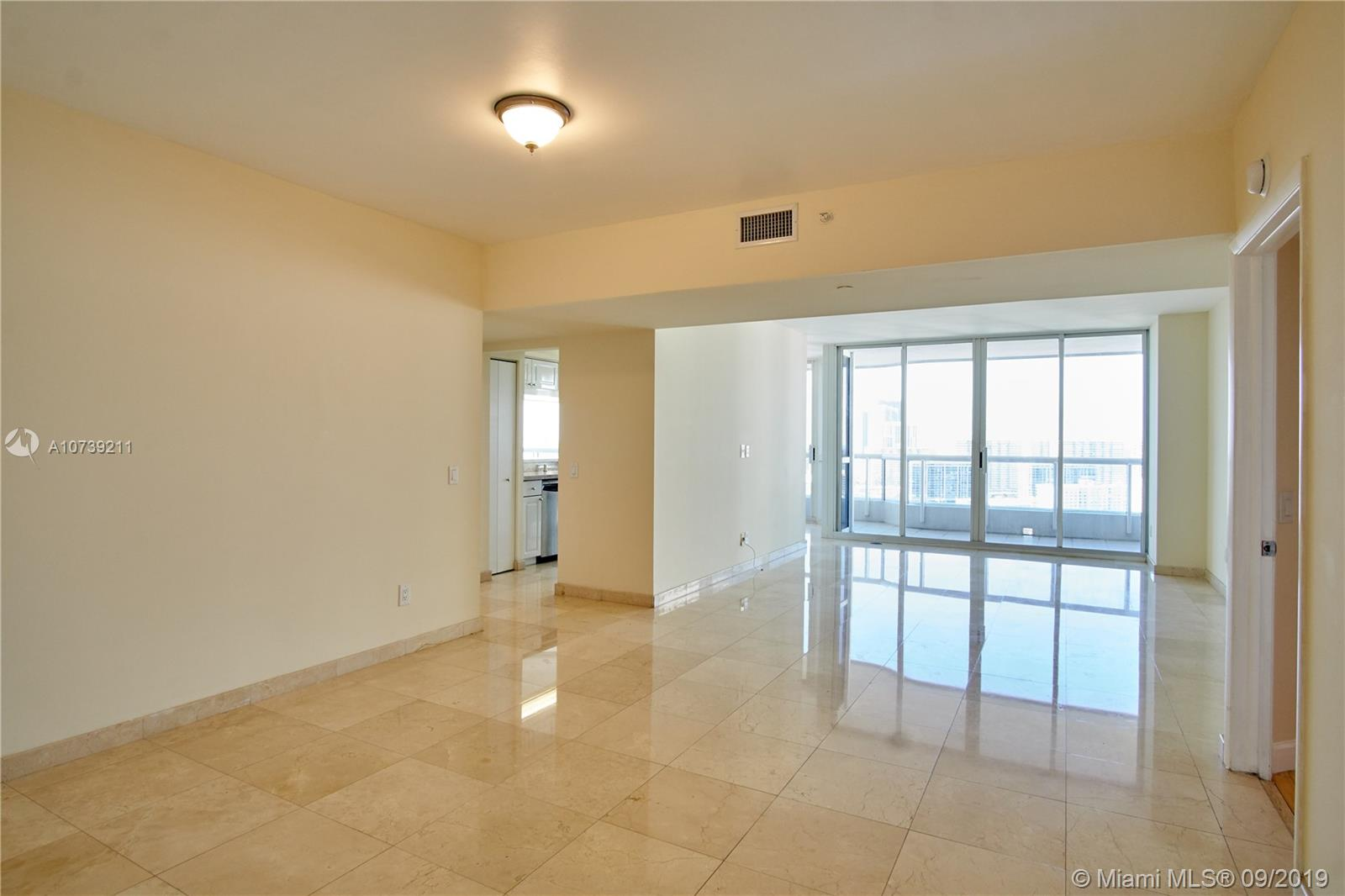 Property 21205 YACHT CLUB DR #2410 image 1