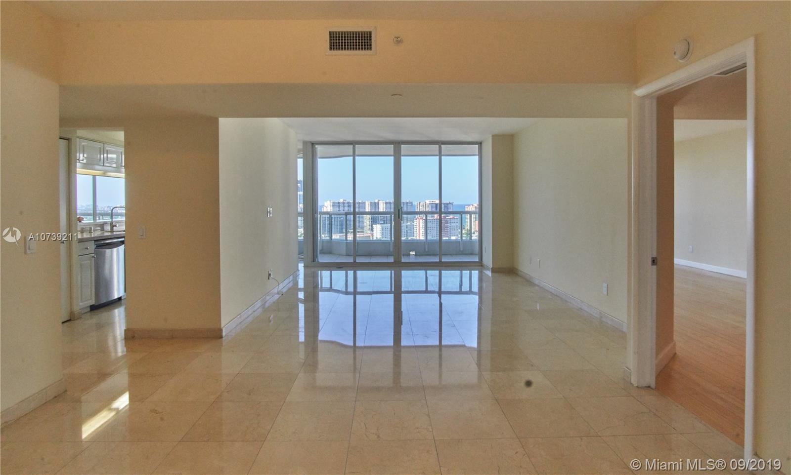 Property 21205 YACHT CLUB DR #2410 image 2