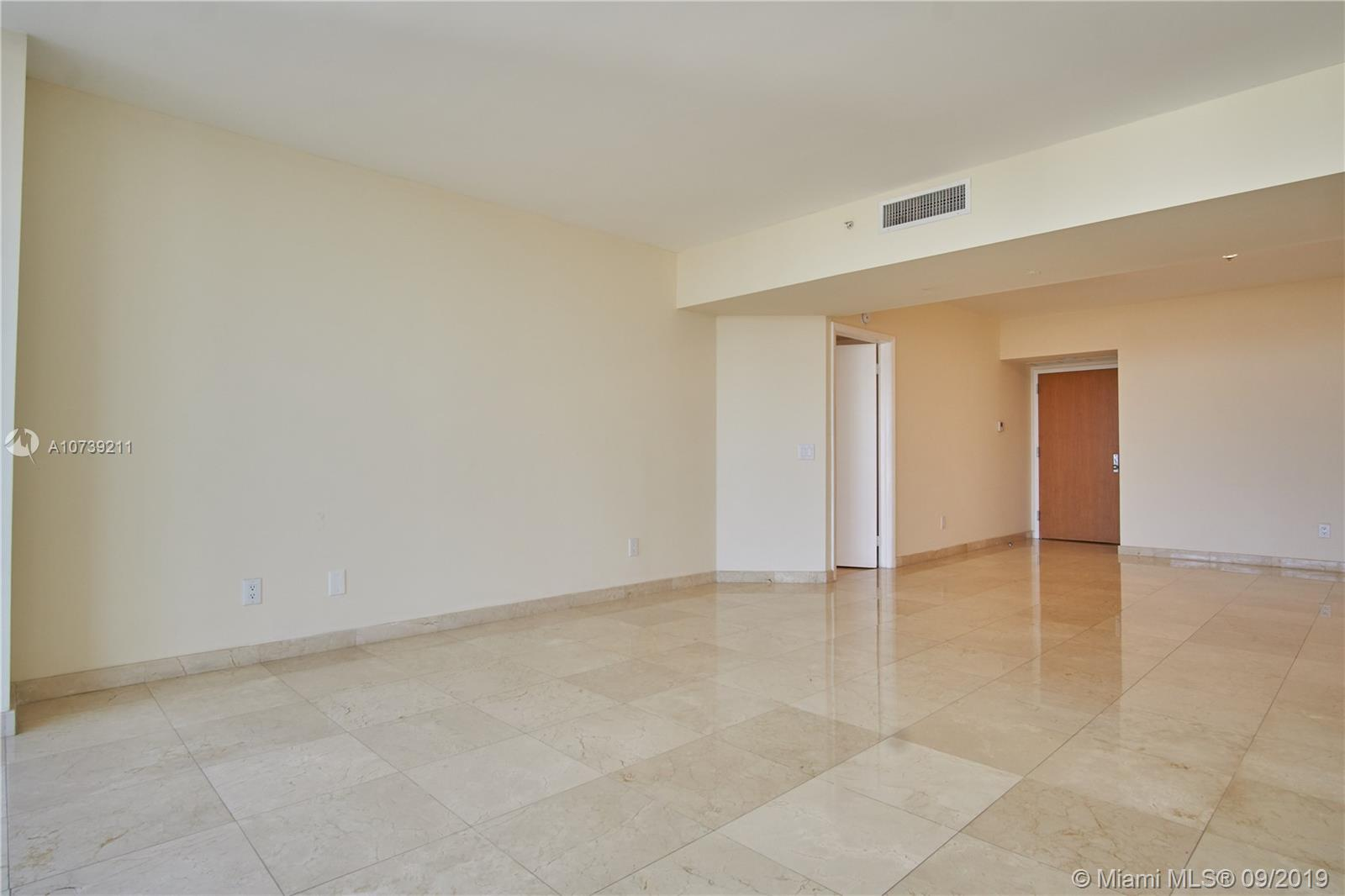 Property 21205 YACHT CLUB DR #2410 image 6