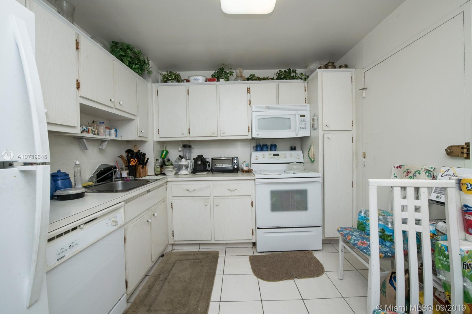 5555 Collins Ave #8A photo011