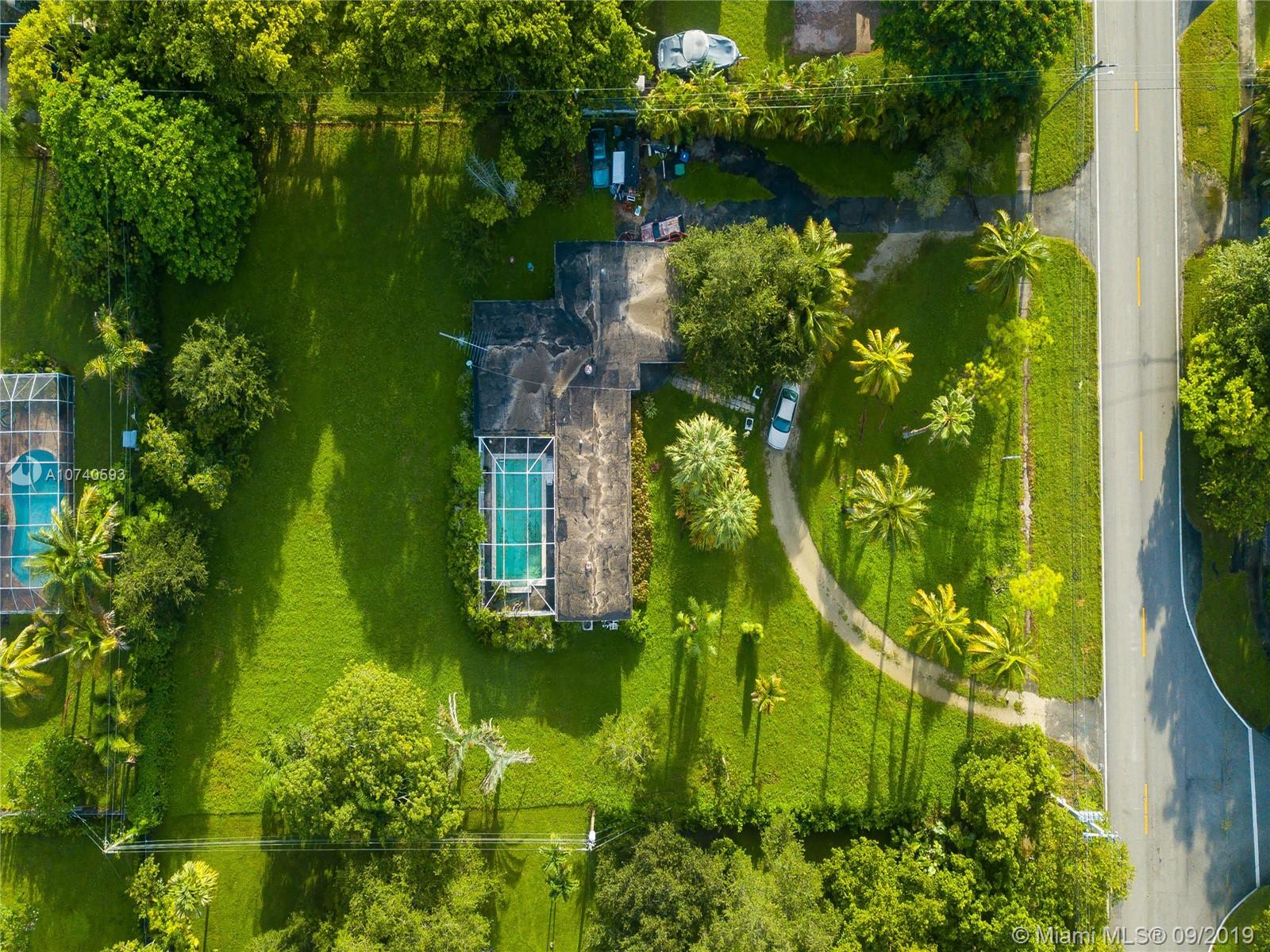 7425 SW 136th St - Pinecrest, Florida