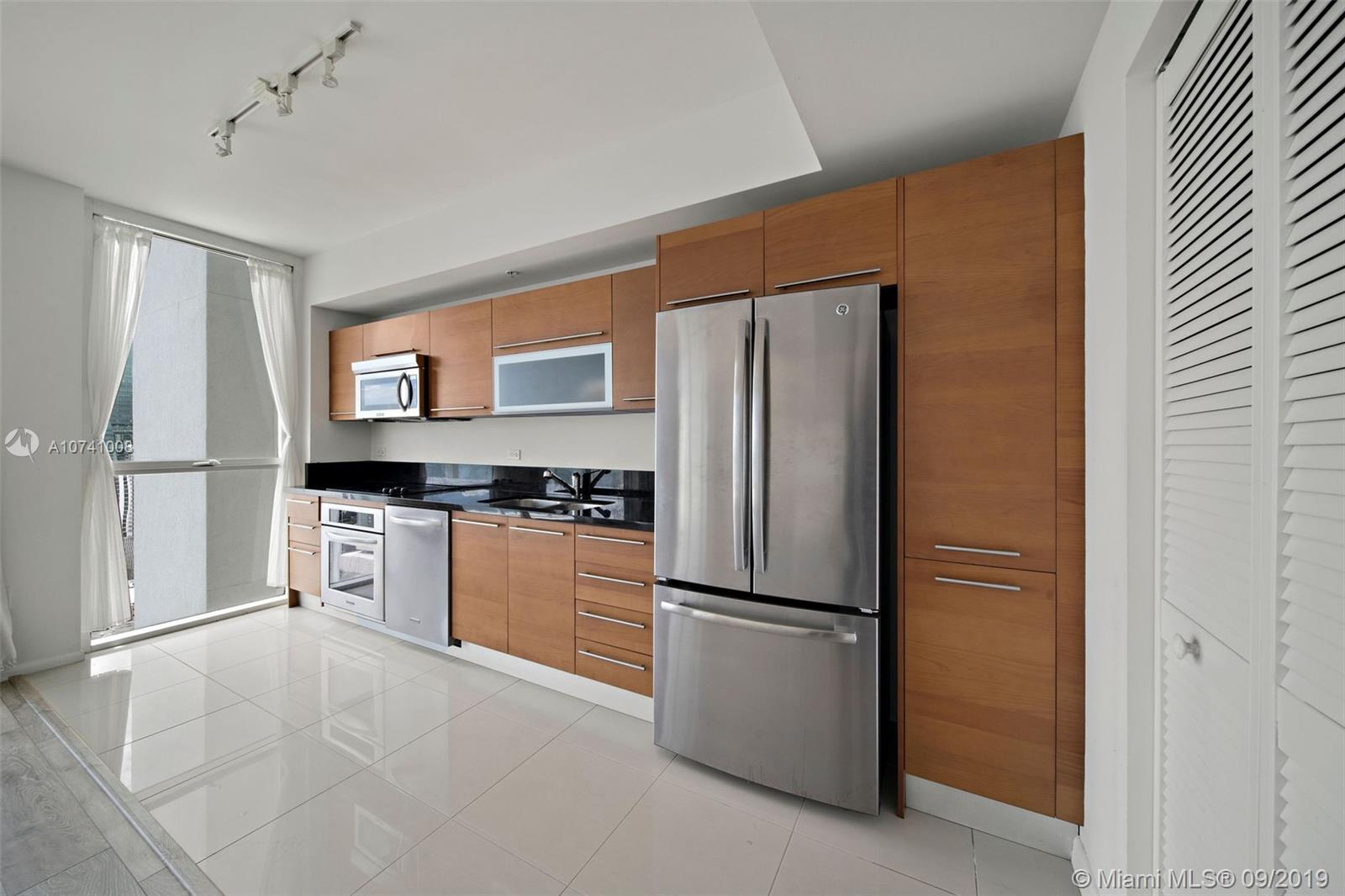 244 Biscayne Blvd #3607 photo015