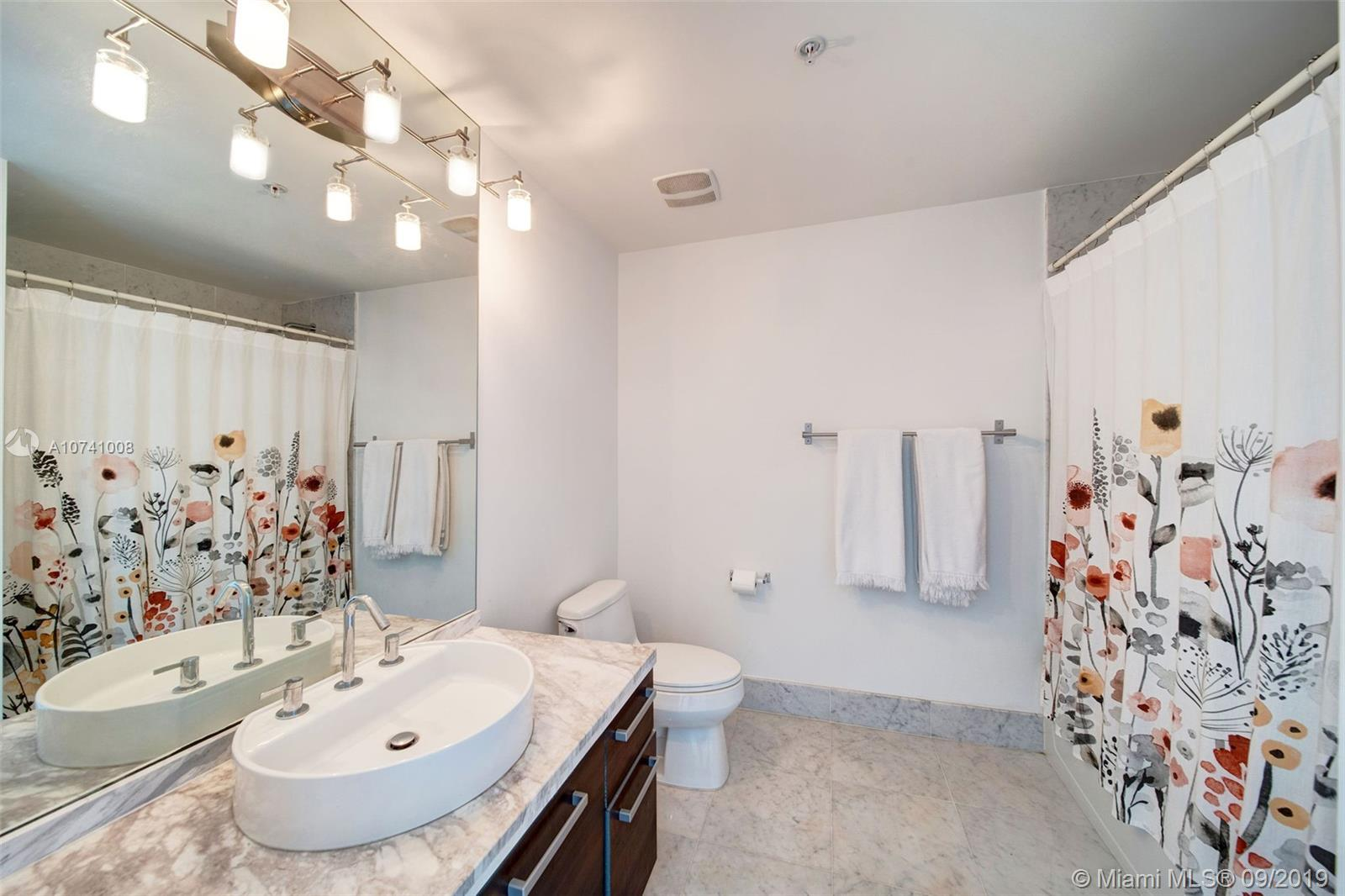 244 Biscayne Blvd #3607 photo020