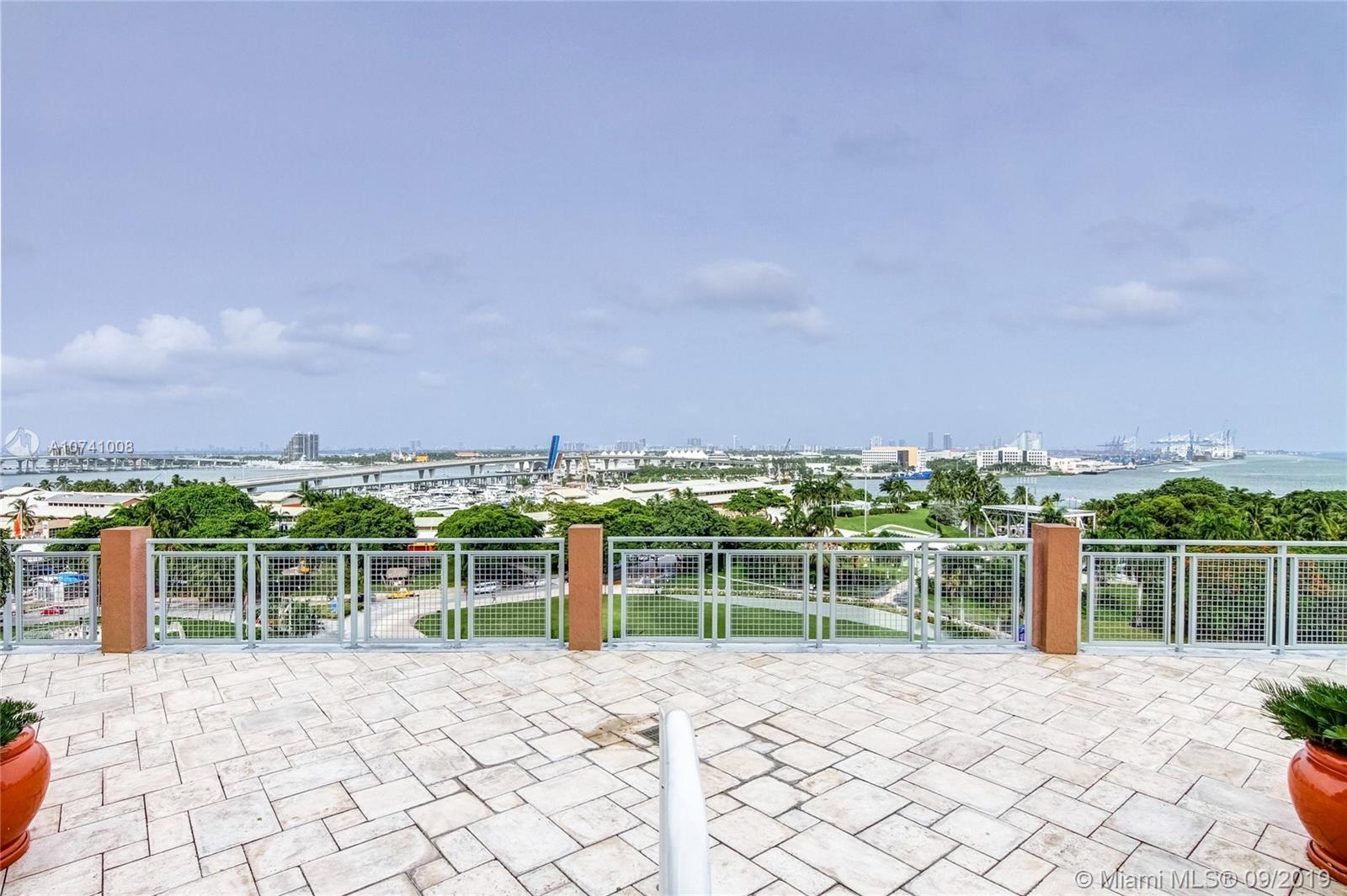 244 Biscayne Blvd #3607 photo029