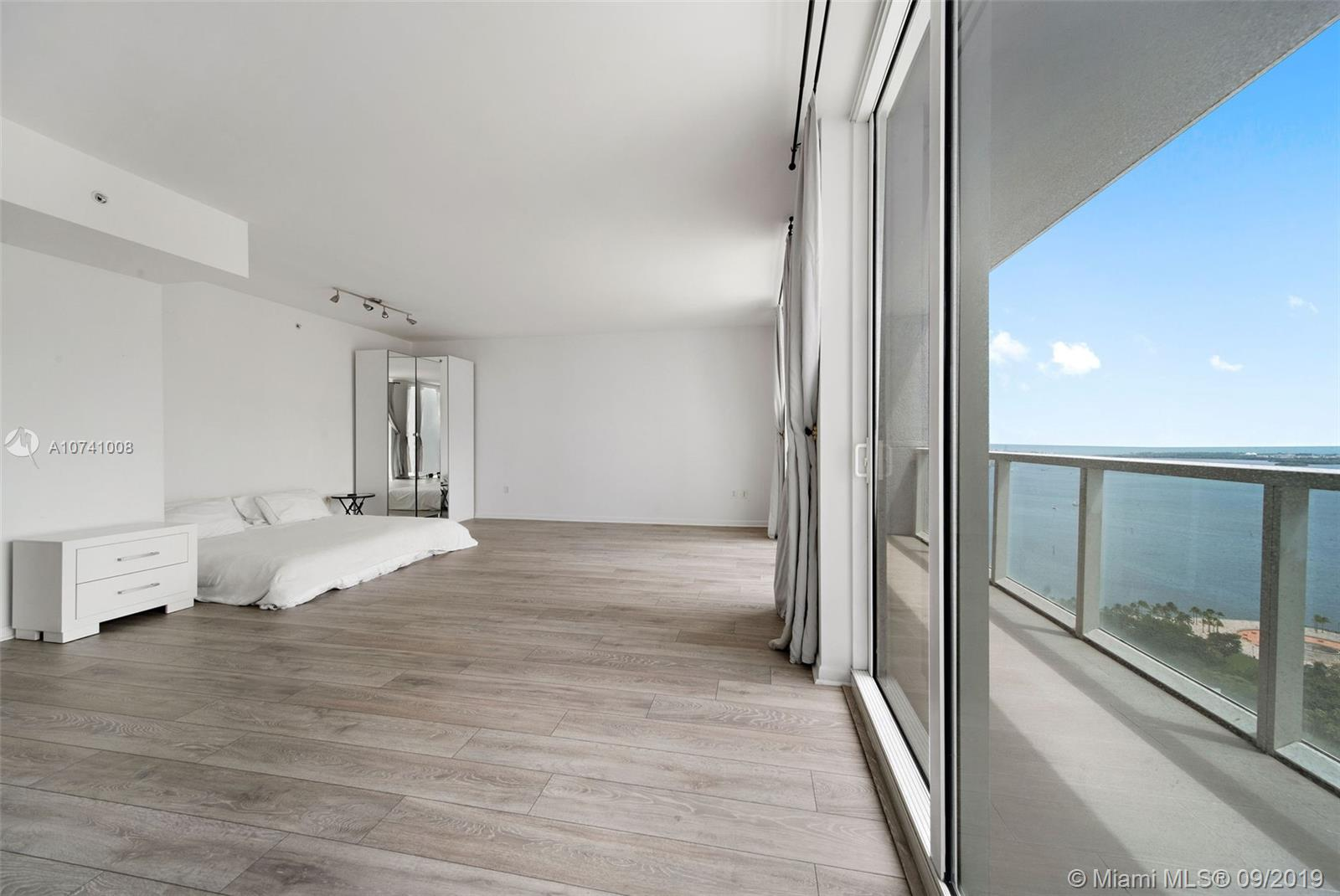 244 Biscayne Blvd #3607 photo06