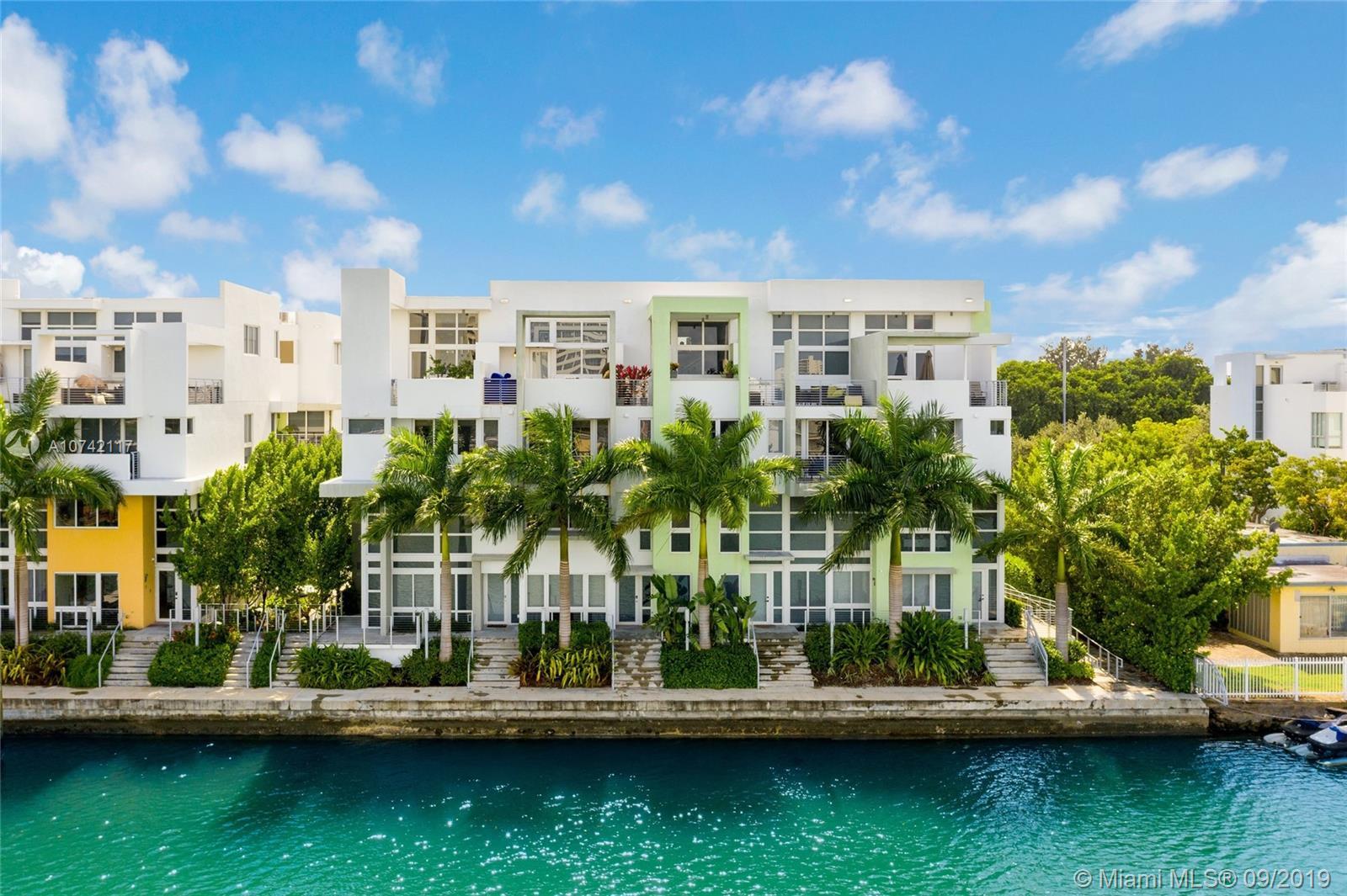97 N Shore Dr - Miami Beach, Florida