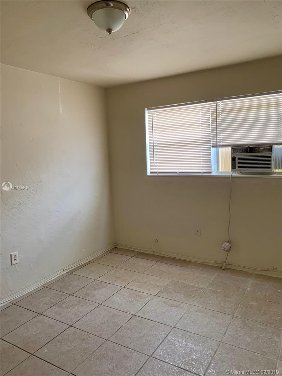 5805 NW 7th Pl, 10 - Miami, Florida