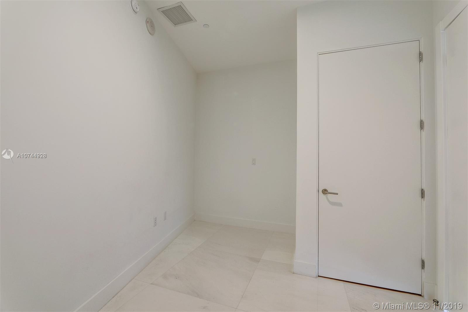 Photo of 2675 S Bayshore Dr #1102S listing for Sale