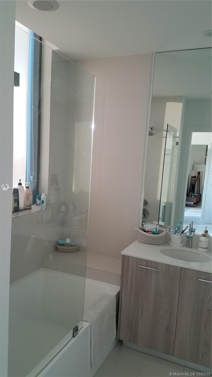 Photo of 501 NE 31 #4305 listing for Sale