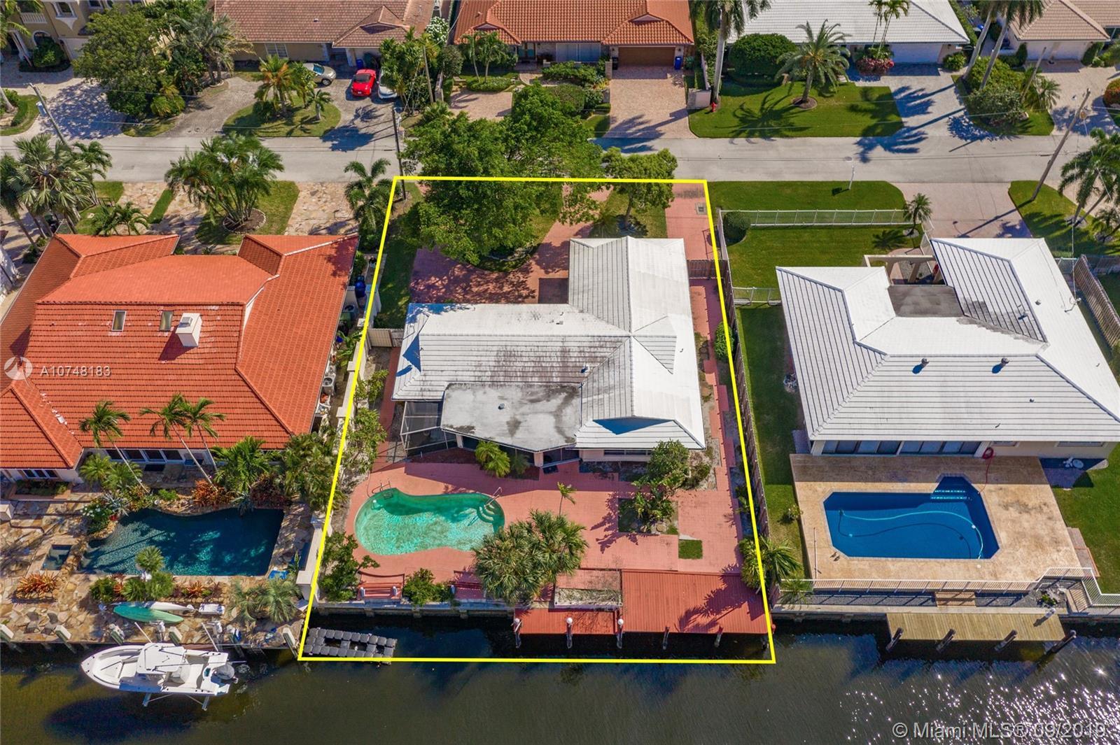 3041 NE 40th St - Fort Lauderdale, Florida