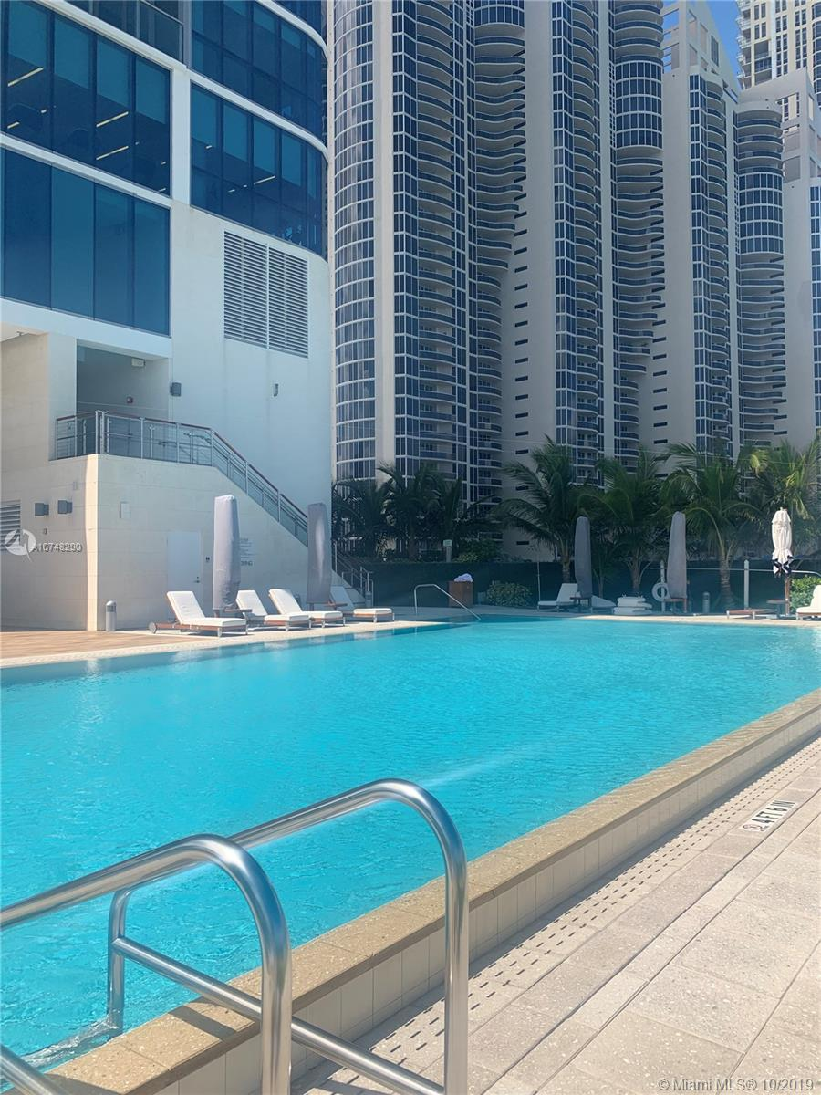 17475 Collins Ave #1004 photo050