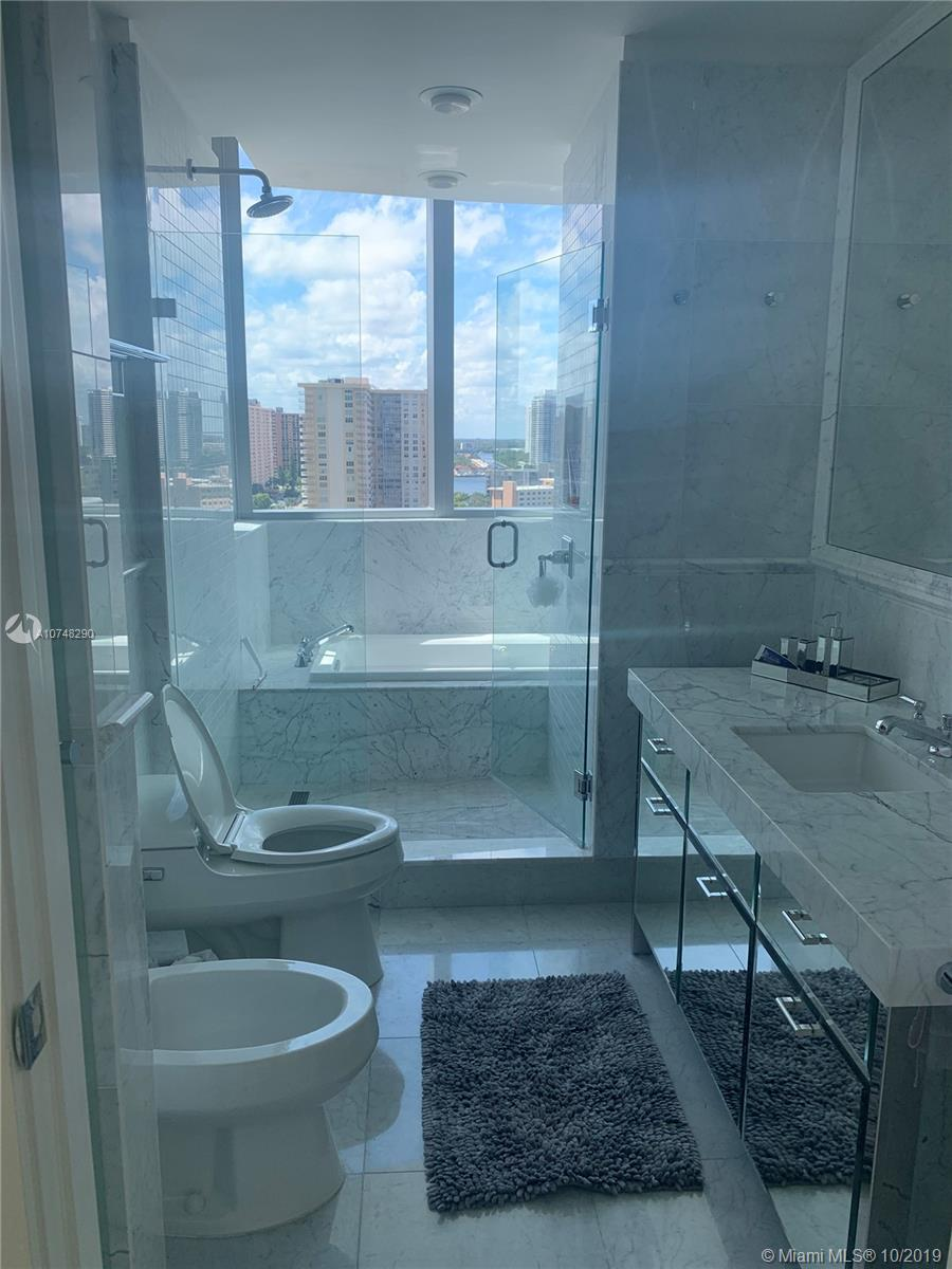 17475 Collins Ave #1004 photo087
