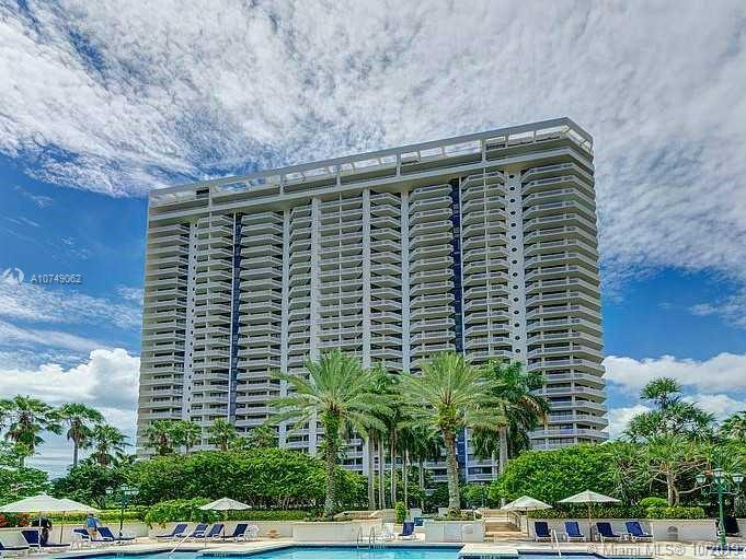 Photo of 2000 Island Blvd #2307 listing for Sale