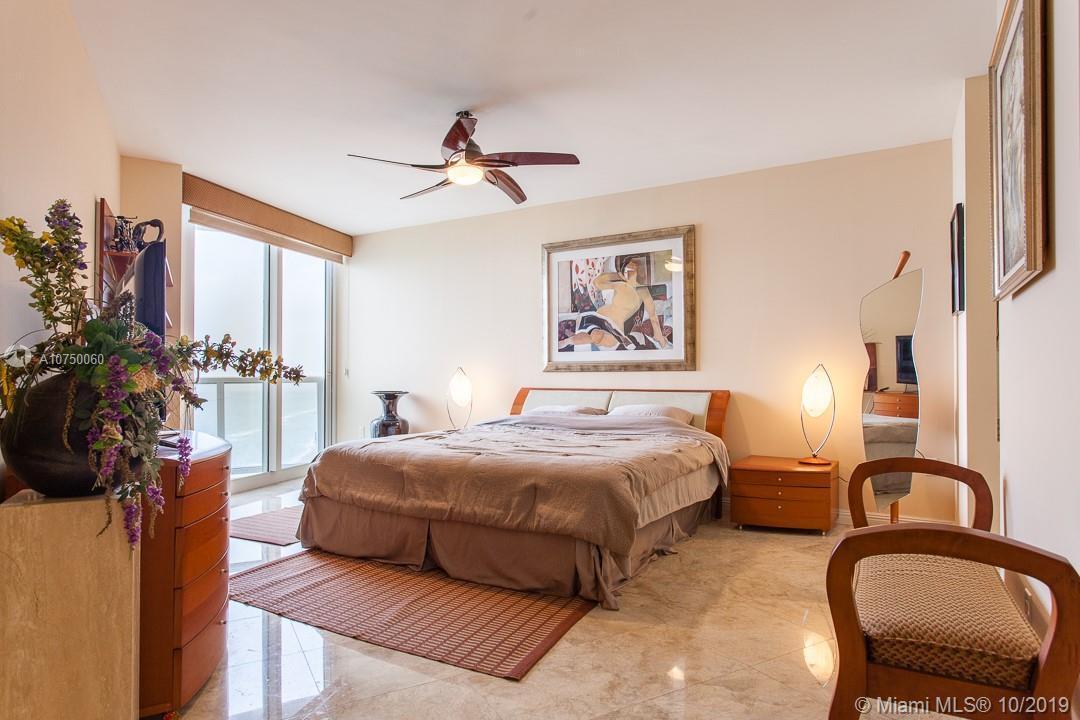Аренда квартиры по адресу 19333 Collins Ave, Sunny Isles Beach, FL 33160 в США